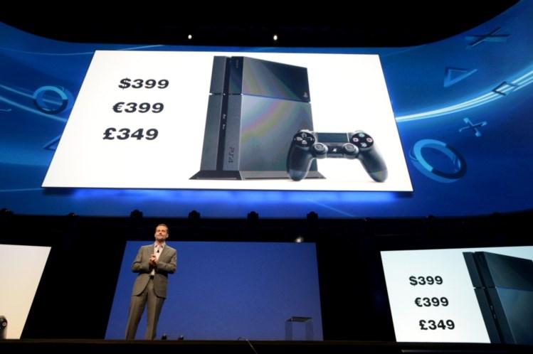 Na guerra das consolas, a PlayStation 4 ganhou a batalha do preço