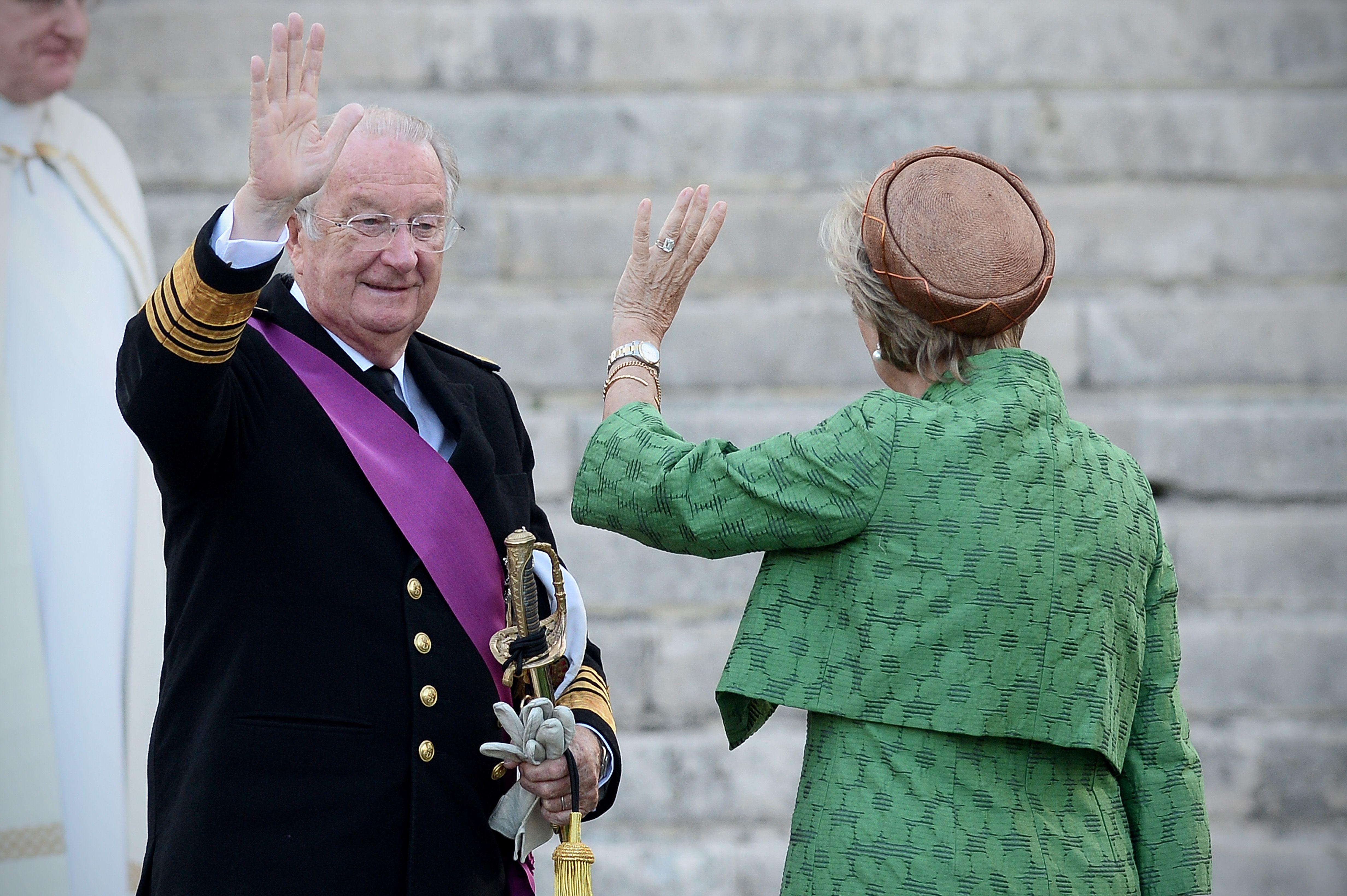 O rei Albert II deixa o trono por razões de saúde