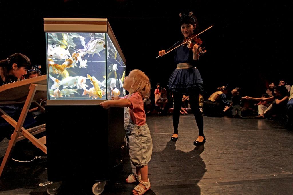 Concertos que tratam os bebés como público vencem prémio europeu