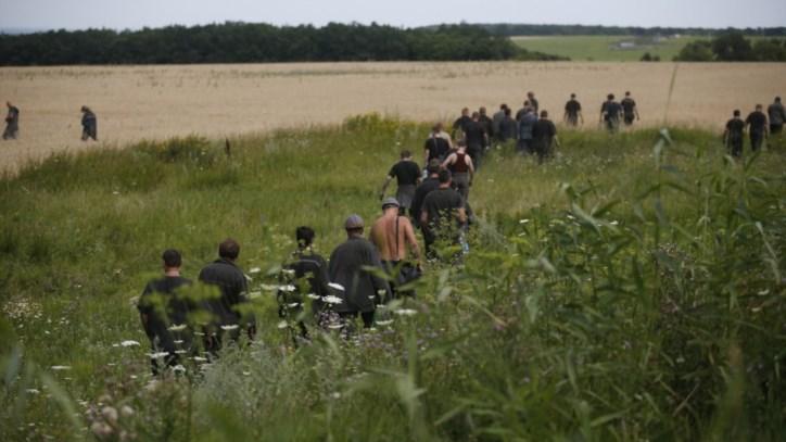Rebeldes ucranianos libertam corpos das vítimas de queda de avião